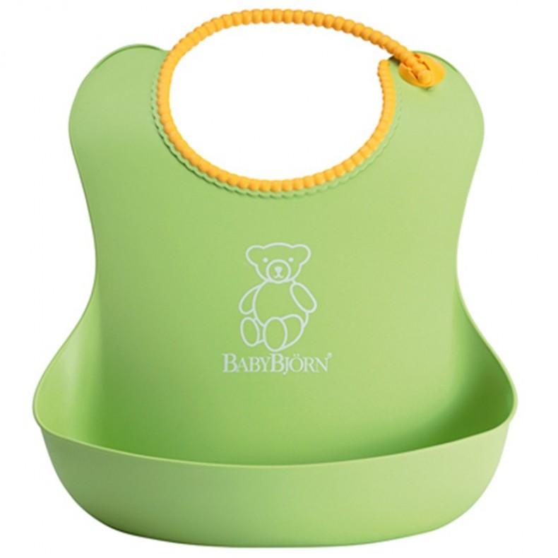 Babero blando verde Babybjorn